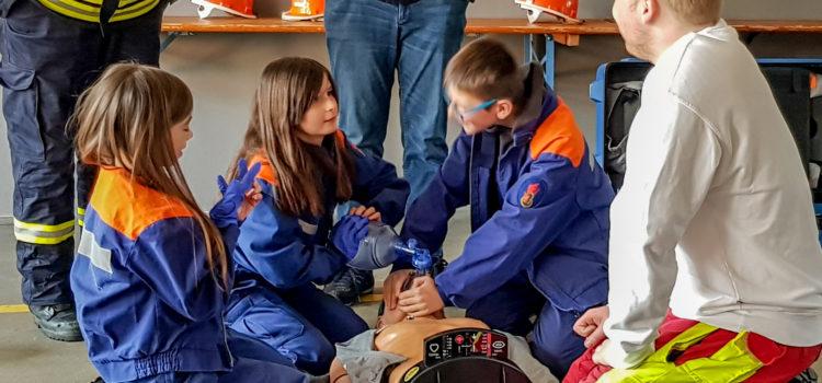 Erste Hilfe bei der Jugendfeuerwehr