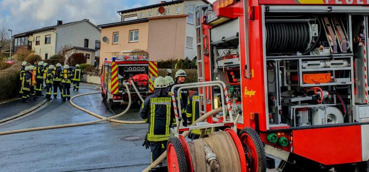 "Einsatz 4/2020 ""Feuer 2: Mülltonnenbrand an Gebäude"""